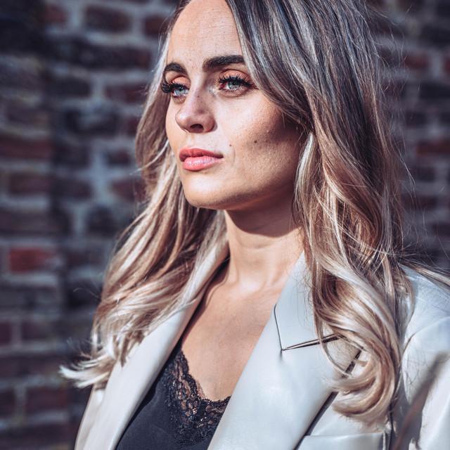 Artist Iris Noëlle Cover