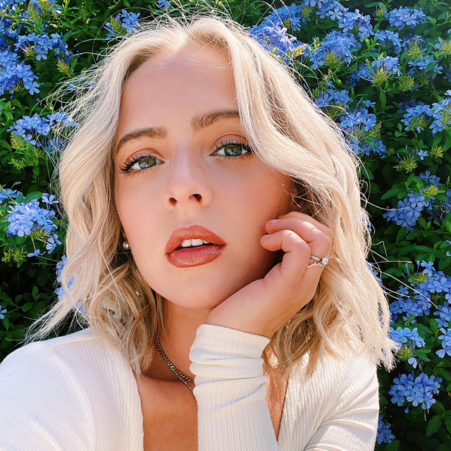 Artist Madilyn Bailey Cover
